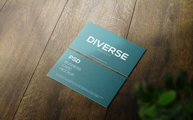Профессиональный реалистичный современный и чистый макет визитки