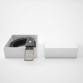Рулонный ремень внутри белой коробки