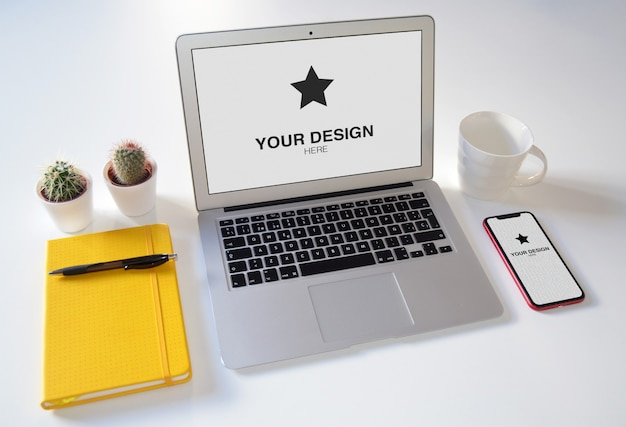 Макет - ноутбук и телефон с декоративными элементами