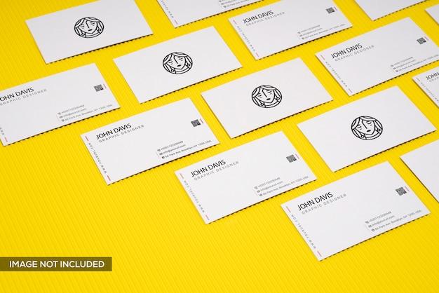 Набор макетов визитных карточек