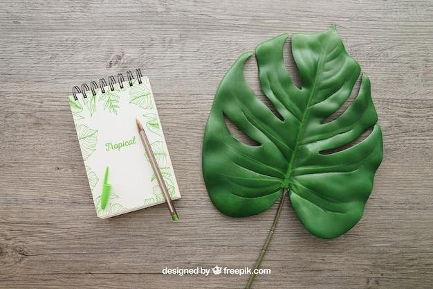 Блокнот и лист