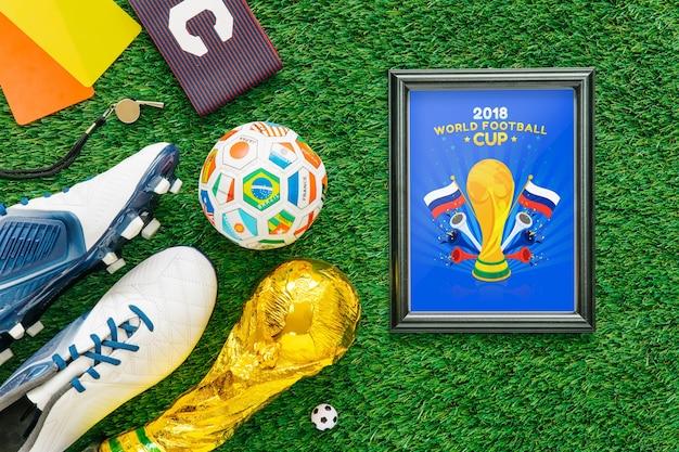 フレームで世界のサッカーカップモックアップ