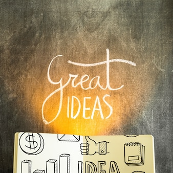 Открытый макет книги с концепцией идей