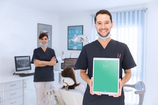 Стоматологический макет с планшетом