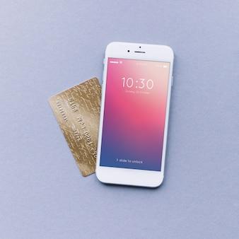 スマートフォンとクレジットカードモックアップ