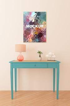 小さなテーブルの上にフレームモックアップ