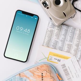 スマートフォンを使った旅行コンセプト