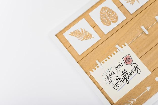 Бумажный макет с тропическими листьями