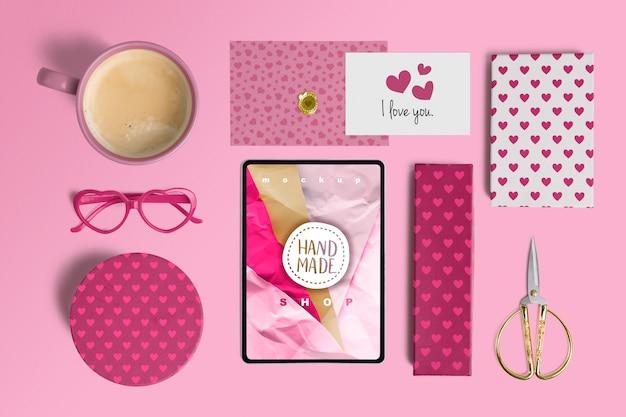 バレンタイン要素の編集可能なモックアップ