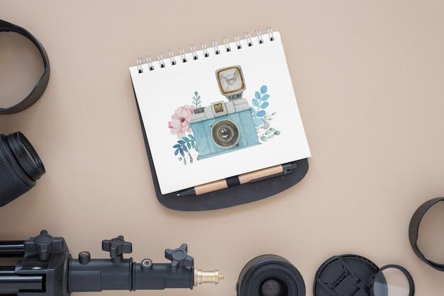 写真のコンセプトを持つメモ帳モックアップ