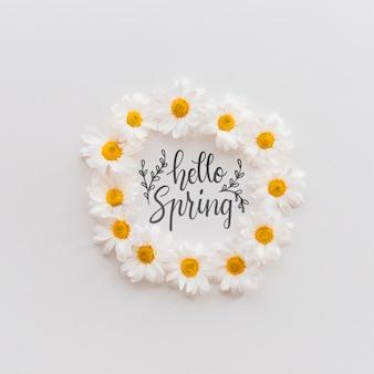 春の花を持つフレームモックアップ