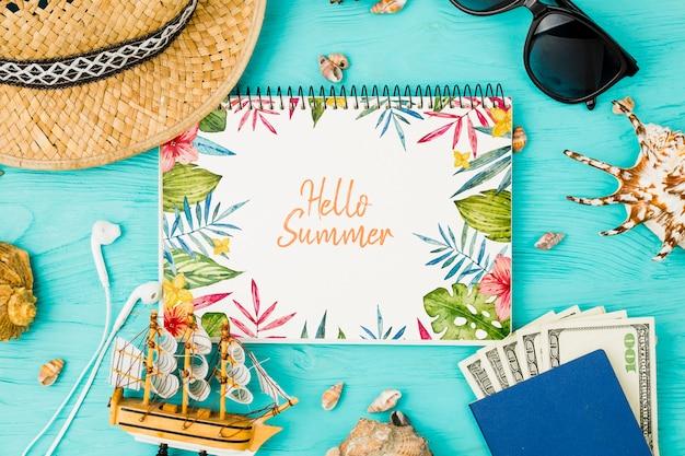 夏の要素を持つフラットレイアウトメモ帳モックアップ