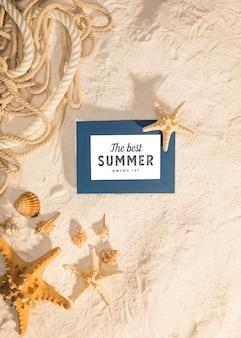 海洋の要素を持つ夏のモックアップ