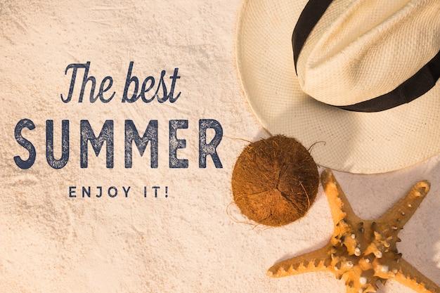 ビーチの要素を持つレタリング夏の背景