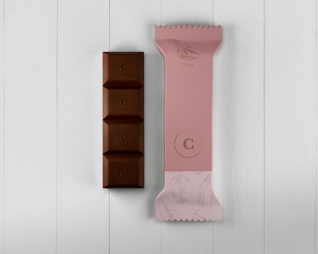 モックアップを包むプラスチックチョコレートバー
