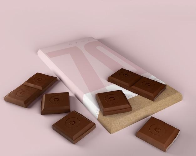 モックアップを包むチョコレートタブレット紙