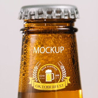 クローズアップビール瓶の首