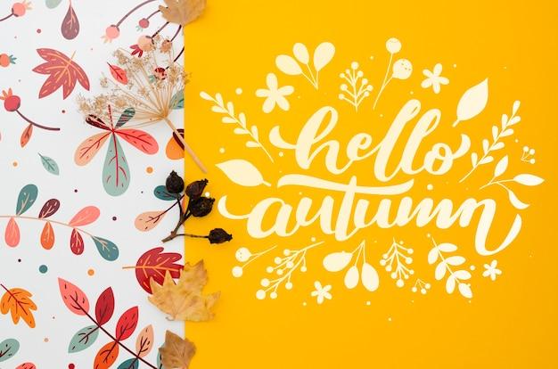 こんにちは、黄色の背景に秋のレタリング