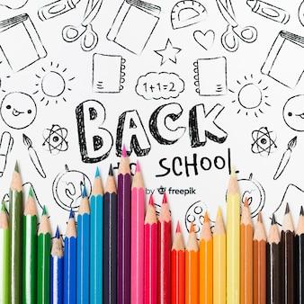 Плоская планировка с разноцветными карандашами