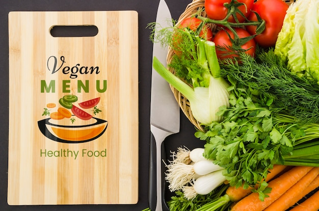 Веганское меню со свежими овощами