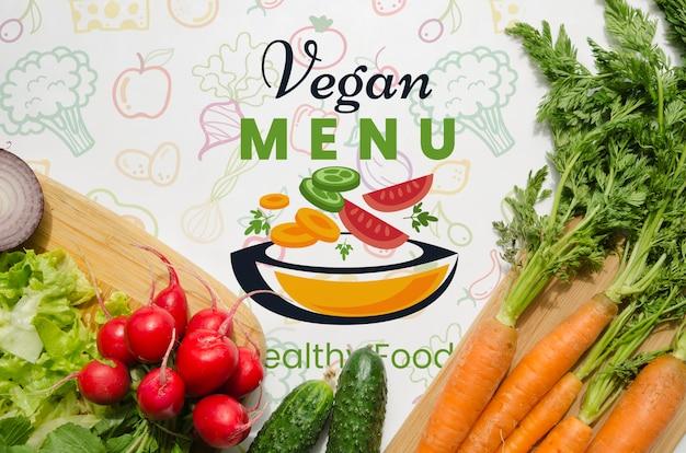 Макет со здоровыми и свежими овощами