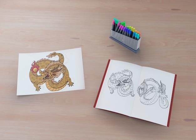 Красочный и монохромный эскиз змеи