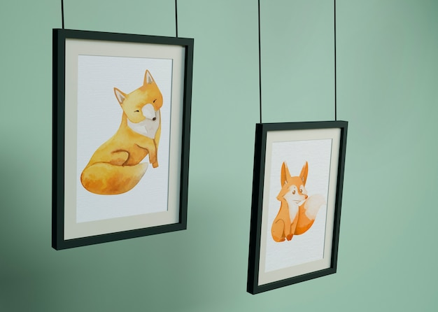 Рамы висят с рисунком лисы