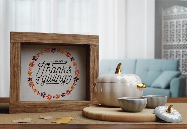 幸せな感謝祭の日のメッセージと木製フレーム