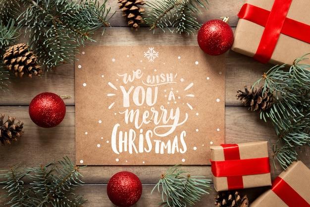 Симпатичные рождественские подарки с макетом