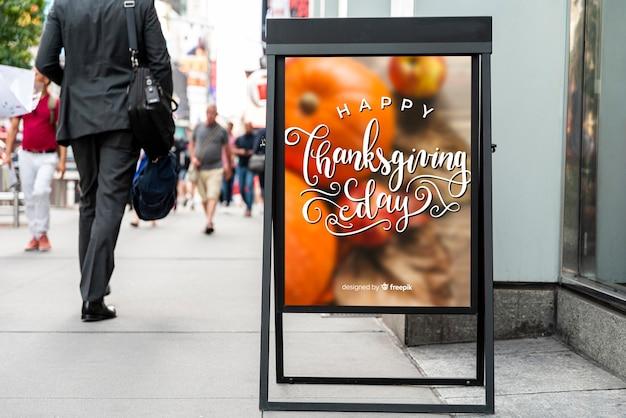 幸せな感謝祭の看板のモックアップ