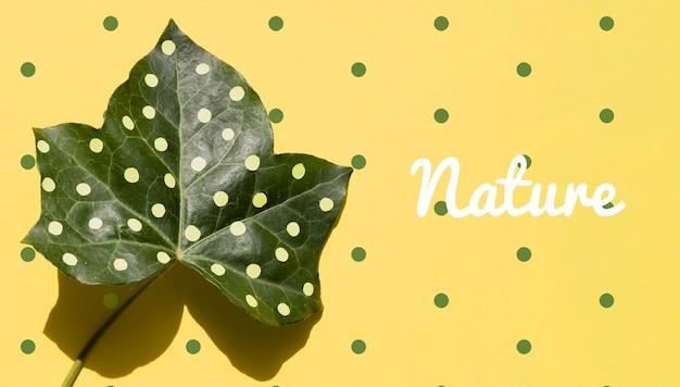 Реалистичное растение с художественным оформлением макета
