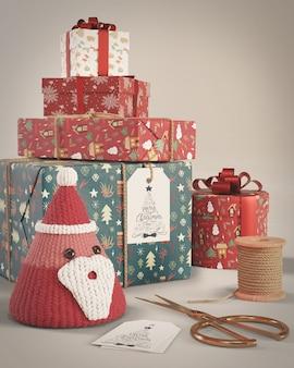 Набор подарков разного размера на рождество