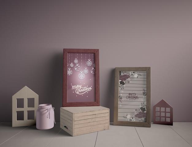床の装飾とクリスマスをテーマにした絵画