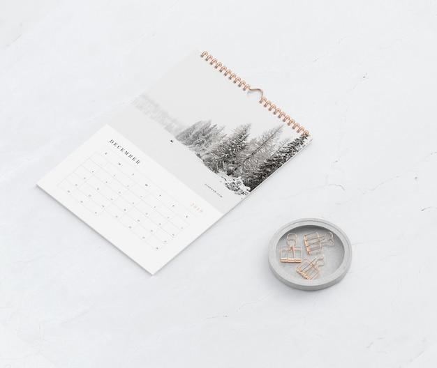 Макет книги спиральная ссылка для концепции календаря