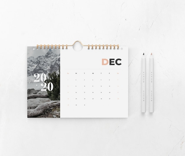Календарь на макете концепции стены