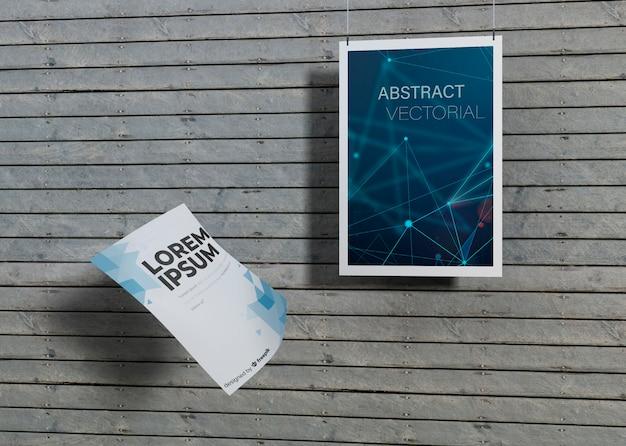 Макет идентичности деловой бумаги на деревянном фоне