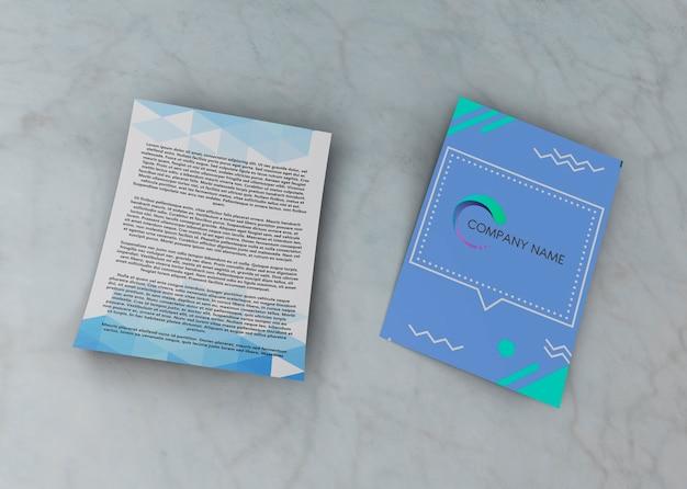 青い会社のモックアップチラシデザインテンプレート