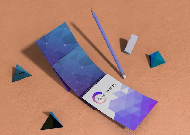 ビジネスコーポレートアイデンティティモックアップ広告の幾何学的図形のセット