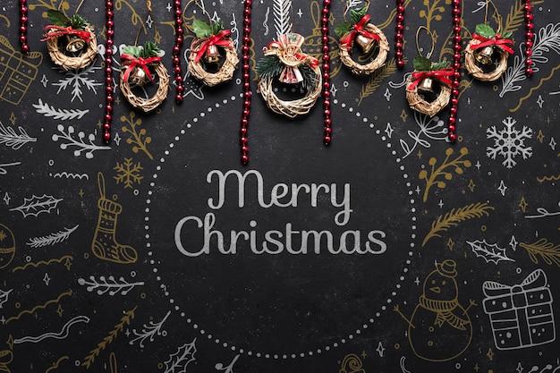 クリスマスに準備された小さなコロネット