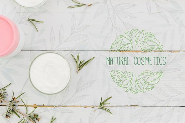 Натуральная косметика и кремовый продукт