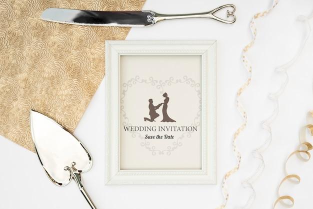 エレガントな結婚式の招待状フレーム