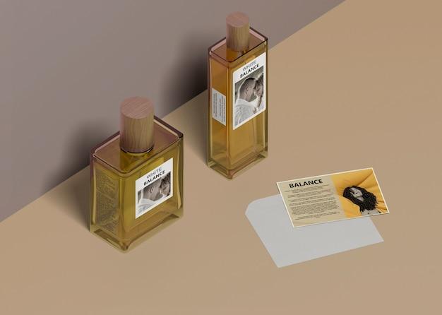 異なるボトル形状の液体香水