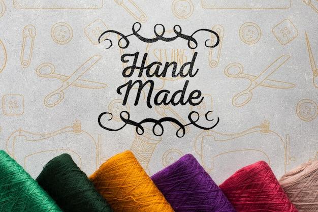 編み糸で手作りのモックアップ