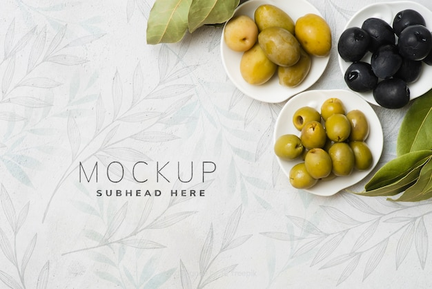 Вкусные полезные оливки макет