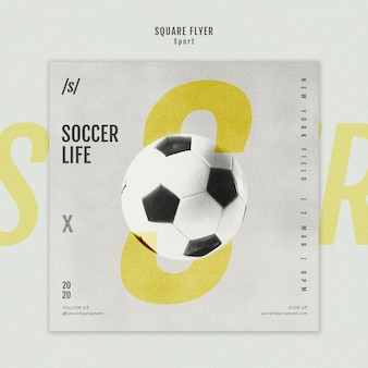 女子サッカー選手の正方形のチラシテンプレート