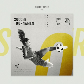 女子サッカー選手のモダンなスクエアチラシテンプレート