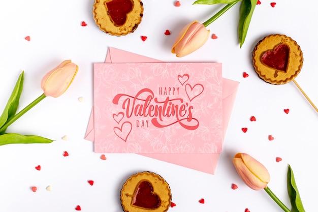 ピンクのカードに幸せなバレンタインデーレタリング