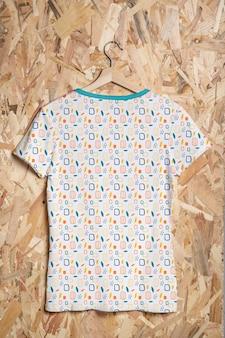 Красочная рубашка концепции макета