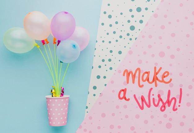 レタリングとカラフルな誕生日用風船