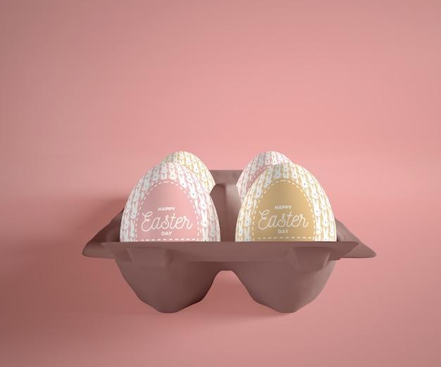 テーブルの上の卵と高角度型枠